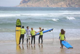 2 hour group bodyboard lesson in Carcavelos or Guincho