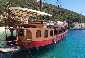 Pirate Ship Tour - Blue Lagoon & Three Island Tour